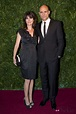 Mark Strong y Liza Marshall en los Evening Standard ...