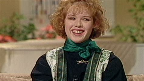 Flashback! Watch Molly Ringwald Talk 'pretty In Pink' In