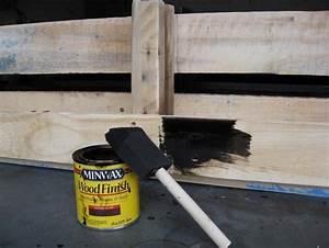 etagere palette 49 idees et un tutoriel pour la With peindre une etagere en bois