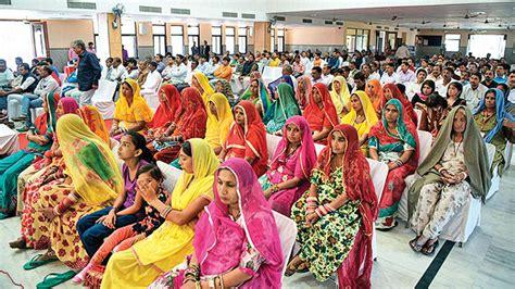 Pakistani Hindu Migrants Get A Flavour Of India