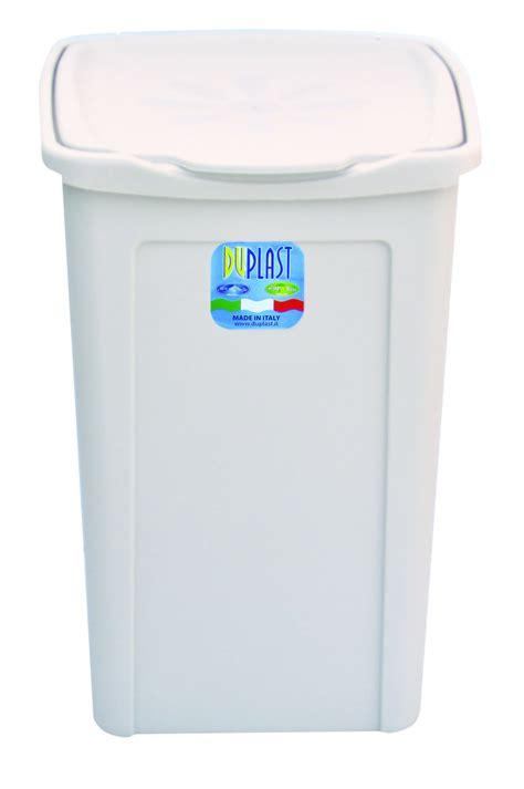 plastic laundry hamper  lid interior design