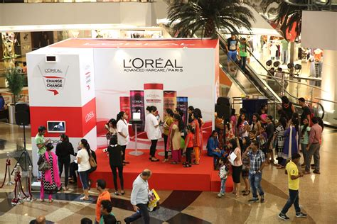 toast  conducts loreal paris  ground activation