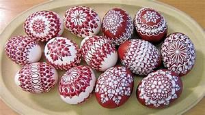 Eier Färben Mit Naturmaterialien : tradition zu ostern eier f rben wie fr her mit naturmaterialien ~ Frokenaadalensverden.com Haus und Dekorationen