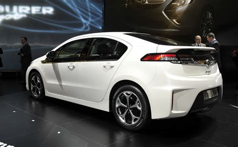 gm reportedly readying buick version  opel ampera
