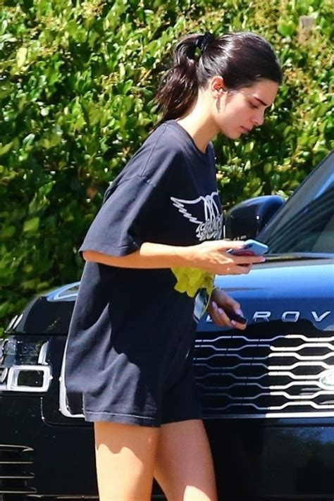 Kendall Jenner Sexy Legs In Beverly Hills 16 Pics The Fappening