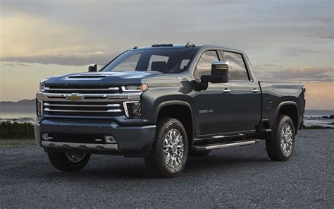 Chevy Hd Trucks by 2020 Chevy Silverado 2500hd High Country More Bling Less