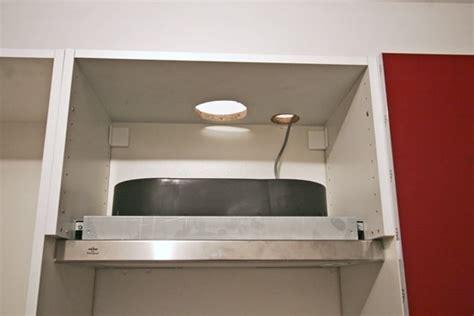 monter une hotte de cuisine la hotte monter une cuisine en kit ikea linternaute