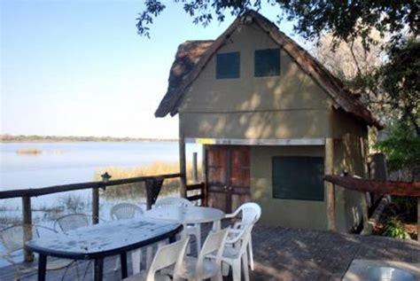 haus am fluss kaufen ferienh 228 user in botswana bei maun okavango delta lodge kaufen vom immobilienmakler