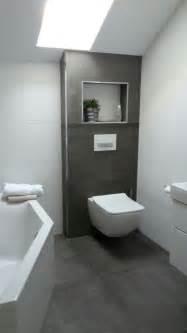 badezimmer ideen fliesen die besten 17 ideen zu graue badfliesen auf graue badezimmer dunkelgraue badezimmer