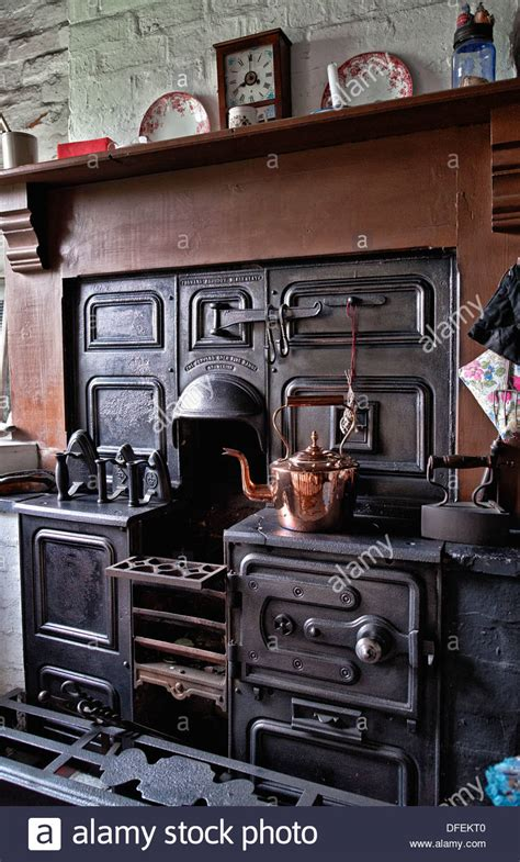Minecraft Kitchen Cooker by Cast Iron Open Cooking Range From The 1800 S Early