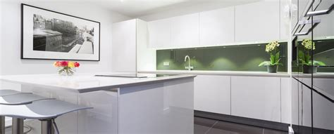 white high gloss kitchen cabinets high gloss kitchens from lwk kitchens 1773
