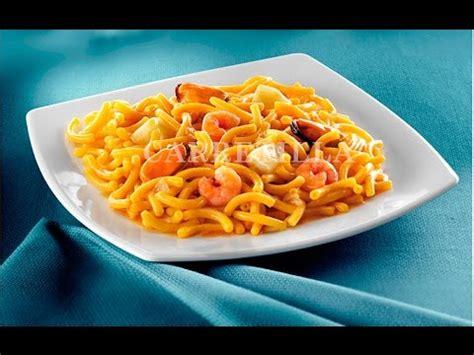comment cuisiner la dorade recette merlu à l 39 espagnole doovi