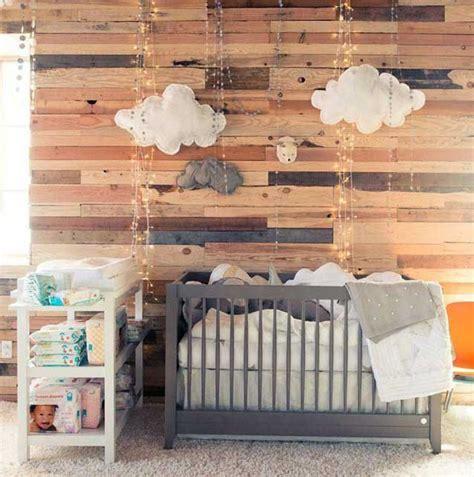 chambre b and b la chambre bébé lambris habillez vos murs de panneaux de