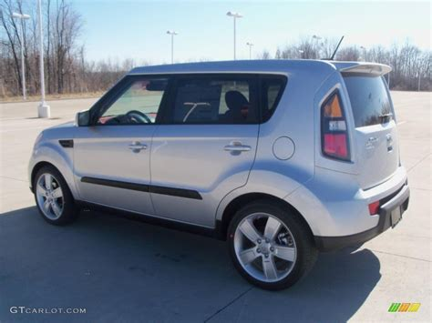 Silver Kia Soul by Bright Silver 2011 Kia Soul Sport Exterior Photo 47125029