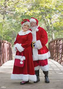 Tenue De Pere Noel : mark and sherry chandler are local celebrities you might not recognize them christmas ~ Farleysfitness.com Idées de Décoration