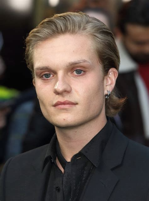 Tom Glynn-Carney - Ethnicity of Celebs | What Nationality ...