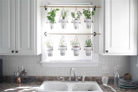 Kitchen Window Herb Garden by 12 Amazing Ideas For Indoor Herb Gardens