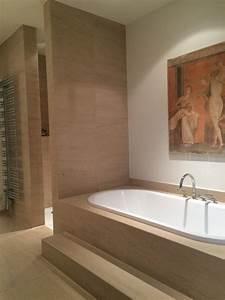Dusche Neben Toilette : naturstein badewanne und ebenerdige dusche ~ Markanthonyermac.com Haus und Dekorationen
