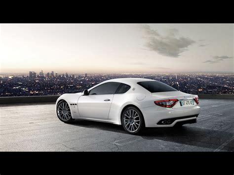 2009 Maserati Gran Turismo S Automatic White Rear And