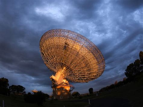 parkes observatory extraterrestrial messages  microwave