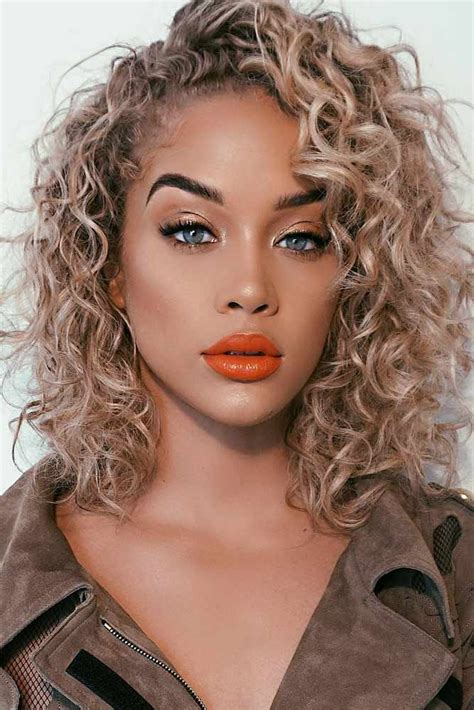 best 25 shoulder length curly hairstyles ideas natural curly hair updos