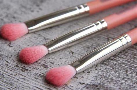 Какие кисти для макияжа нужны начинающим? Отзывы о косметике