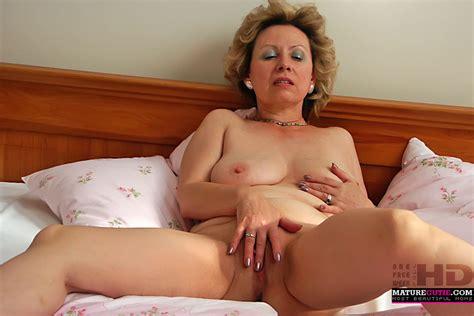 Perfect Hot Nude Mom Mature Sex