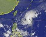 「閃電」颱風打轉後將偏西接近 海警明上午有機會發布 - 生活 - 自由時報電子報