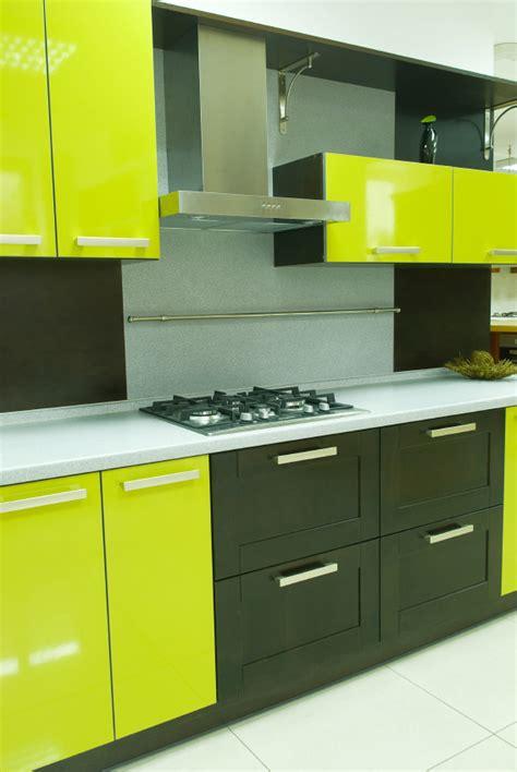 couleur armoire cuisine des idées pour vos armoires de mélamine blogue de via