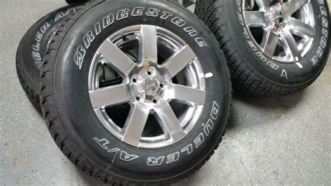 stock jeep wheels and tires 18 quot jeep sahara polished oem