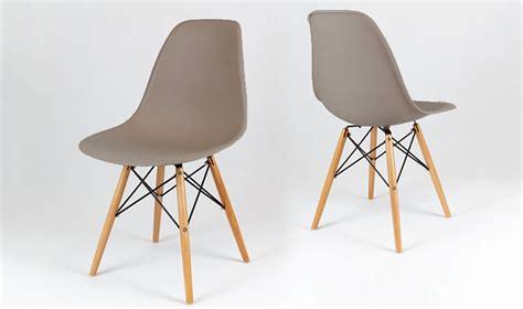 chaise couleur taupe chaise eiffel design vintage taupe avec pieds en bois dsw