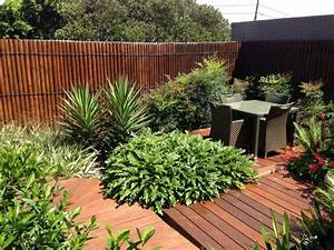 Salon De Jardin Bambou : canisse en bois haie brande de bruyere chromeleon ~ Teatrodelosmanantiales.com Idées de Décoration