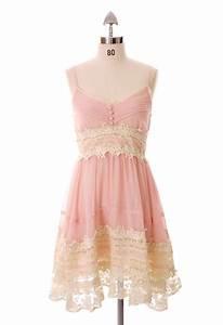 Pink lace dress. So pretty! | Fashion Inspiration | Pinterest