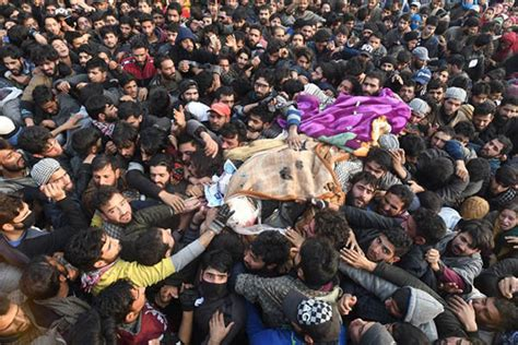 Eight killed as Kashmir Reels from Deadly Year - Newsweek ...