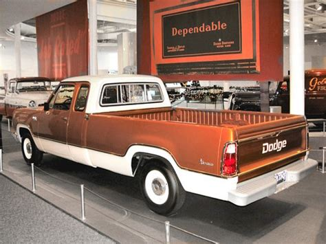 dodge  club cab pickup bronze poly white rvl