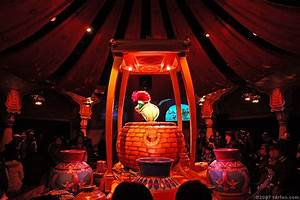 The magic lamp theater gallery tokyo disneysea for The lamp light theater