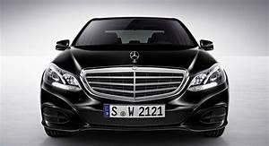 Mercedes E Class : evolution or revolution new vs old mercedes benz e class carscoops ~ Medecine-chirurgie-esthetiques.com Avis de Voitures
