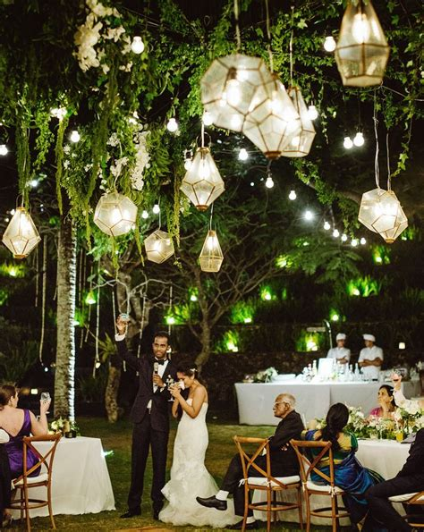 Garden Decoration Wedding by 25 Best Ideas About Hanging Lanterns Wedding On
