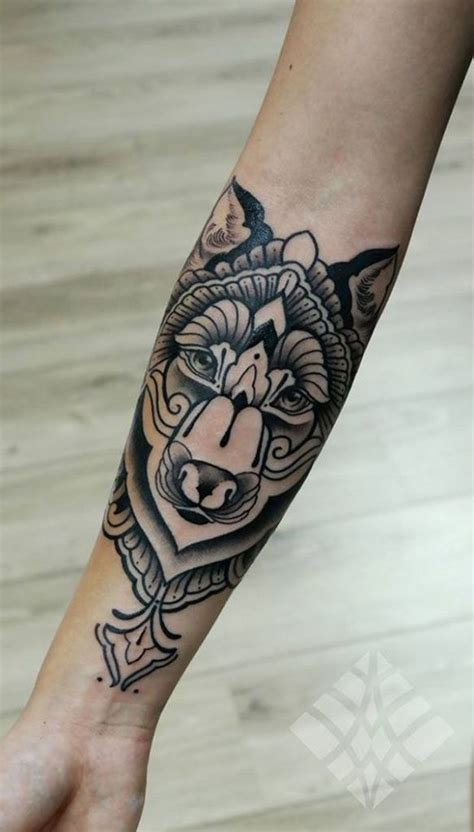 tatouage avant bras femme dessin