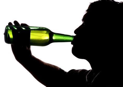 Call for cigarette-style health warnings on alcohol