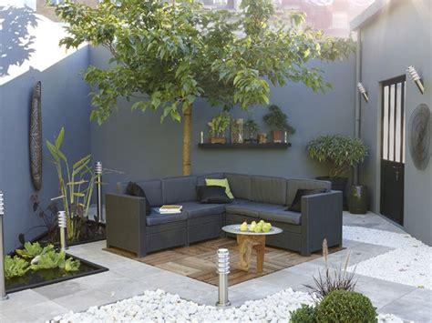 deco terrasse bois  galets salon de jardin gris garden