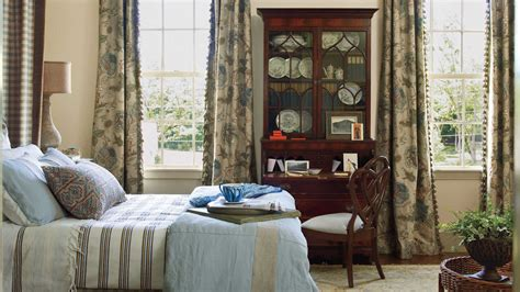 Bedroom Decorating Ideas Southern Living by Antique Elegance Master Bedroom Decorating Ideas