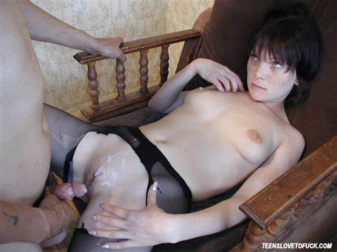 Secretary Getting Banged By Her Sloppy Boss In The At Home