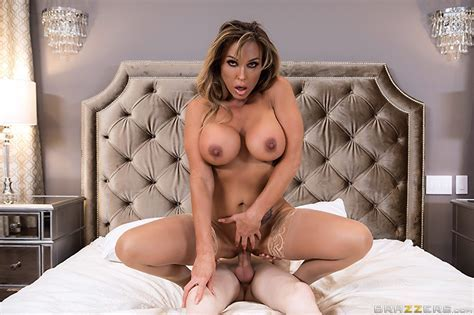 Milfs Grab Back Free Video With Aubrey Black Brazzers Official