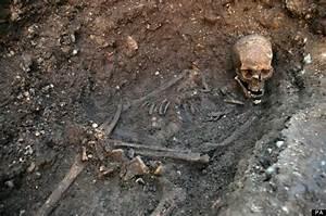 King Richard III's Body Was Placed In 'Hastily Dug, Untidy ...