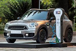 Mini Countryman S : first charge mini countryman s e all4 driving plugin ~ Melissatoandfro.com Idées de Décoration