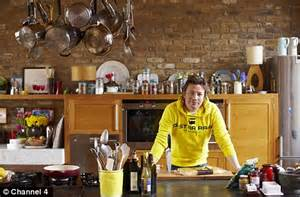 Jamie Oliver To Launch His 15 Minute Meals As Christmas