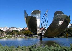 'Floralis', a 8m tall flower made of metal beautifull monument Picture of Buenos Aires