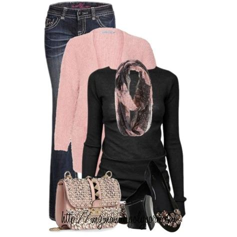 Pink and Black Casual Outfits