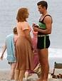 Justin Timberlake holds umbrella for Kate Winslet on ...